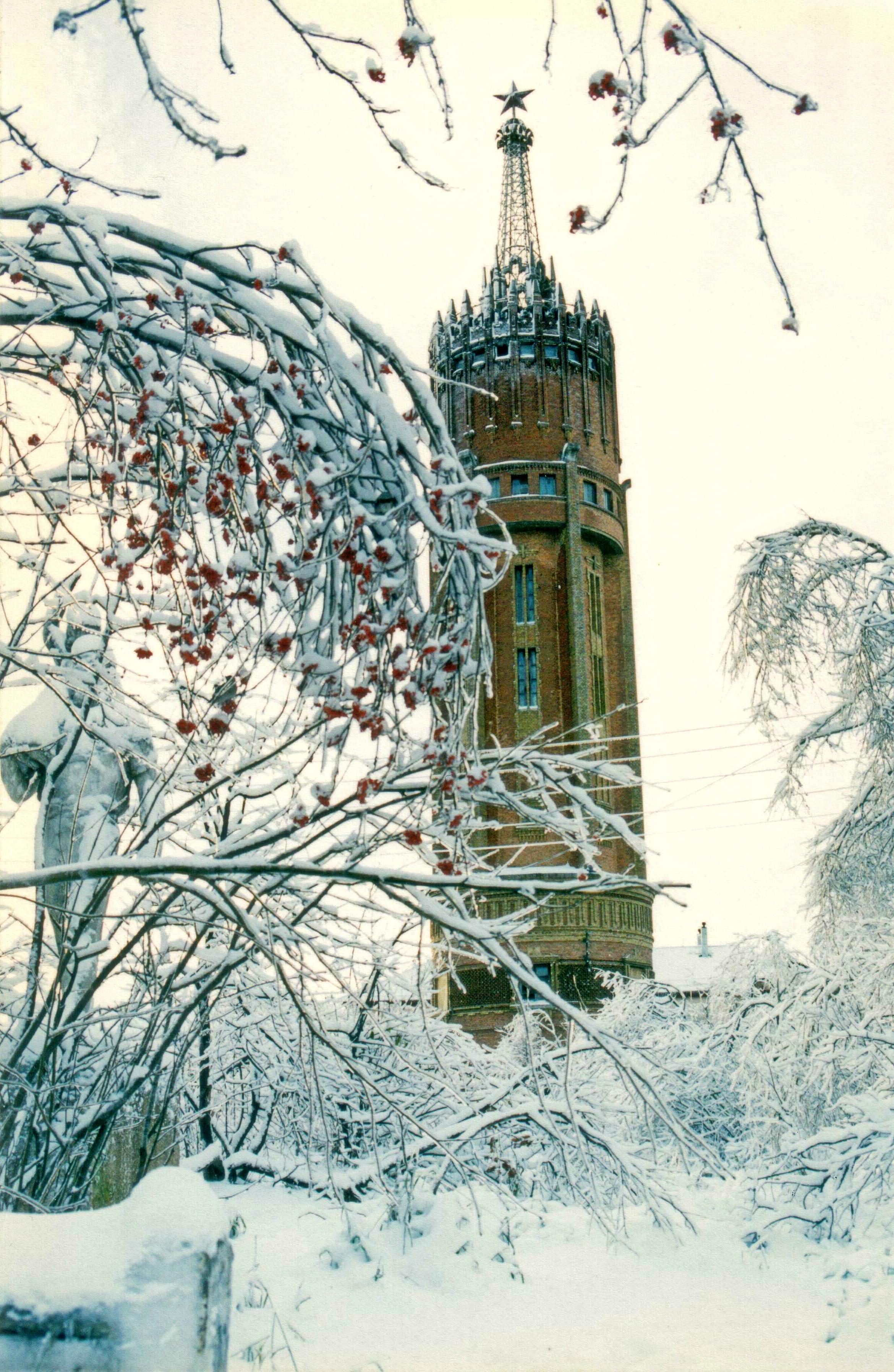 Водонапорная башня зимой